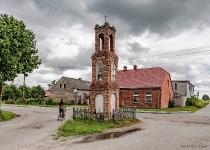 Zdjęcie kapliczki z figurą MB z m. Kliczkowy koło Przytarni.