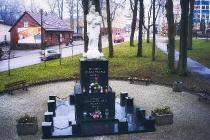 Pomniki w Kartuzach-2