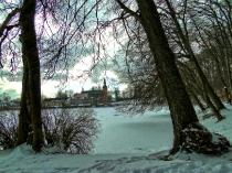 Jezioro Klasztorne i kolegiata