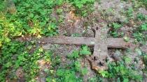 Kamela - zabytkowy krzyż